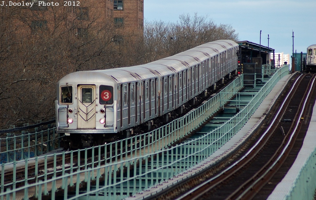 (372k, 1024x650)<br><b>Country:</b> United States<br><b>City:</b> New York<br><b>System:</b> New York City Transit<br><b>Line:</b> IRT Brooklyn Line<br><b>Location:</b> Rockaway Avenue <br><b>Route:</b> 3<br><b>Car:</b> R-62 (Kawasaki, 1983-1985)  1530 <br><b>Photo by:</b> John Dooley<br><b>Date:</b> 3/29/2012<br><b>Viewed (this week/total):</b> 1 / 860