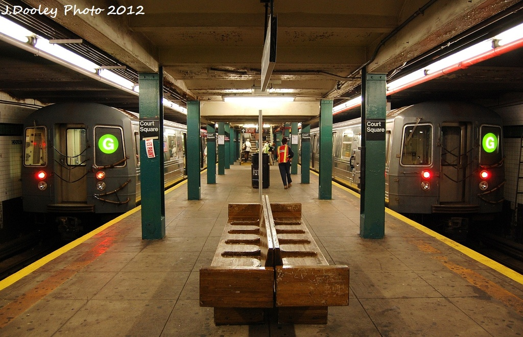 (348k, 1024x660)<br><b>Country:</b> United States<br><b>City:</b> New York<br><b>System:</b> New York City Transit<br><b>Line:</b> IND Queens Boulevard Line<br><b>Location:</b> Court Square/23rd St (Ely Avenue) <br><b>Route:</b> G<br><b>Car:</b> R-68A (Kawasaki, 1988-1989)   <br><b>Photo by:</b> John Dooley<br><b>Date:</b> 1/18/2012<br><b>Viewed (this week/total):</b> 1 / 892