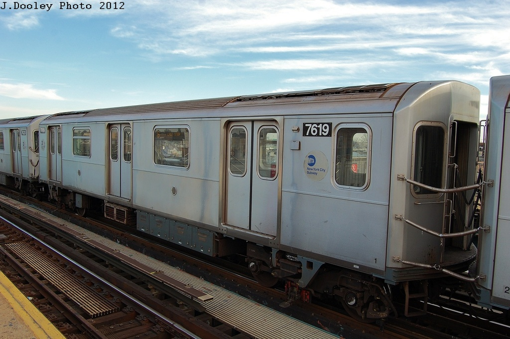 (302k, 1024x680)<br><b>Country:</b> United States<br><b>City:</b> New York<br><b>System:</b> New York City Transit<br><b>Line:</b> IRT Pelham Line<br><b>Location:</b> Castle Hill Avenue <br><b>Route:</b> 6<br><b>Car:</b> R-142A (Option Order, Kawasaki, 2002-2003)  7619 <br><b>Photo by:</b> John Dooley<br><b>Date:</b> 2/22/2012<br><b>Viewed (this week/total):</b> 0 / 258