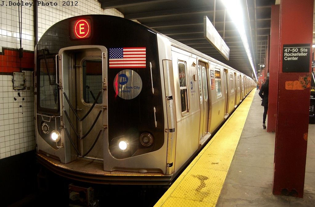 (314k, 1024x672)<br><b>Country:</b> United States<br><b>City:</b> New York<br><b>System:</b> New York City Transit<br><b>Line:</b> IND 6th Avenue Line<br><b>Location:</b> 47-50th Street/Rockefeller Center <br><b>Route:</b> E reroute<br><b>Car:</b> R-160A (Option 1) (Alstom, 2008-2009, 5 car sets)  9322 <br><b>Photo by:</b> John Dooley<br><b>Date:</b> 3/12/2012<br><b>Viewed (this week/total):</b> 5 / 385