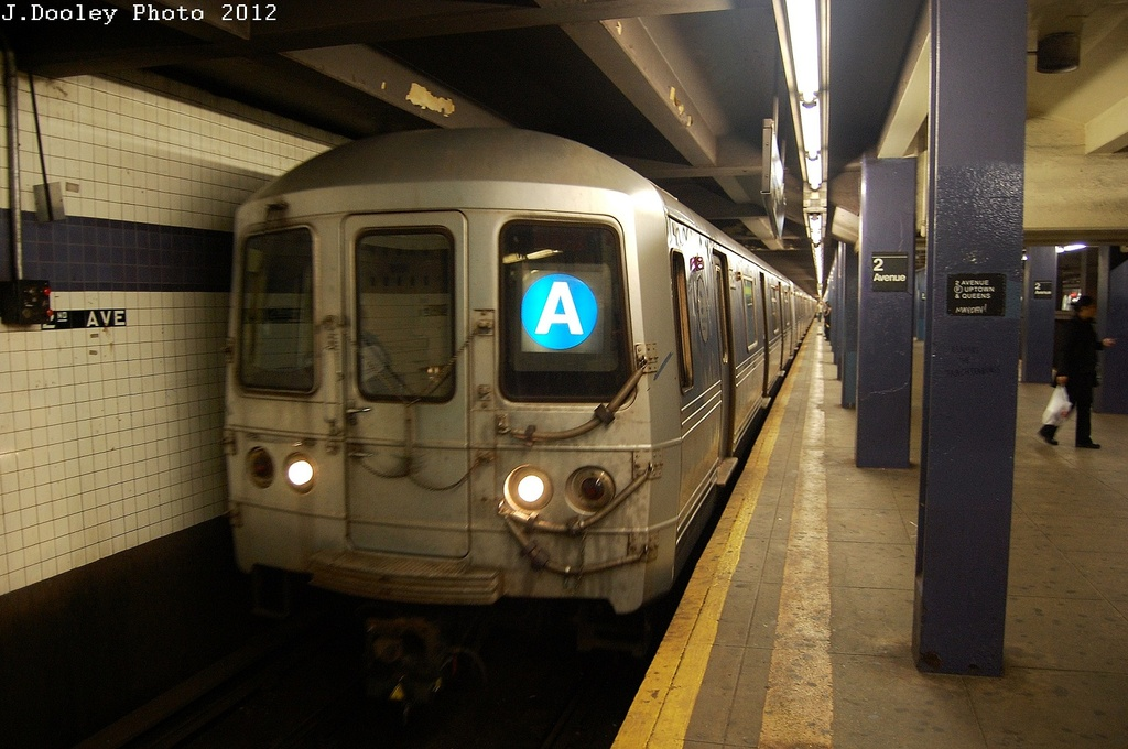 (298k, 1024x680)<br><b>Country:</b> United States<br><b>City:</b> New York<br><b>System:</b> New York City Transit<br><b>Line:</b> IND 6th Avenue Line<br><b>Location:</b> 2nd Avenue <br><b>Route:</b> A reroute<br><b>Car:</b> R-46 (Pullman-Standard, 1974-75) 6162 <br><b>Photo by:</b> John Dooley<br><b>Date:</b> 3/14/2012<br><b>Viewed (this week/total):</b> 1 / 551