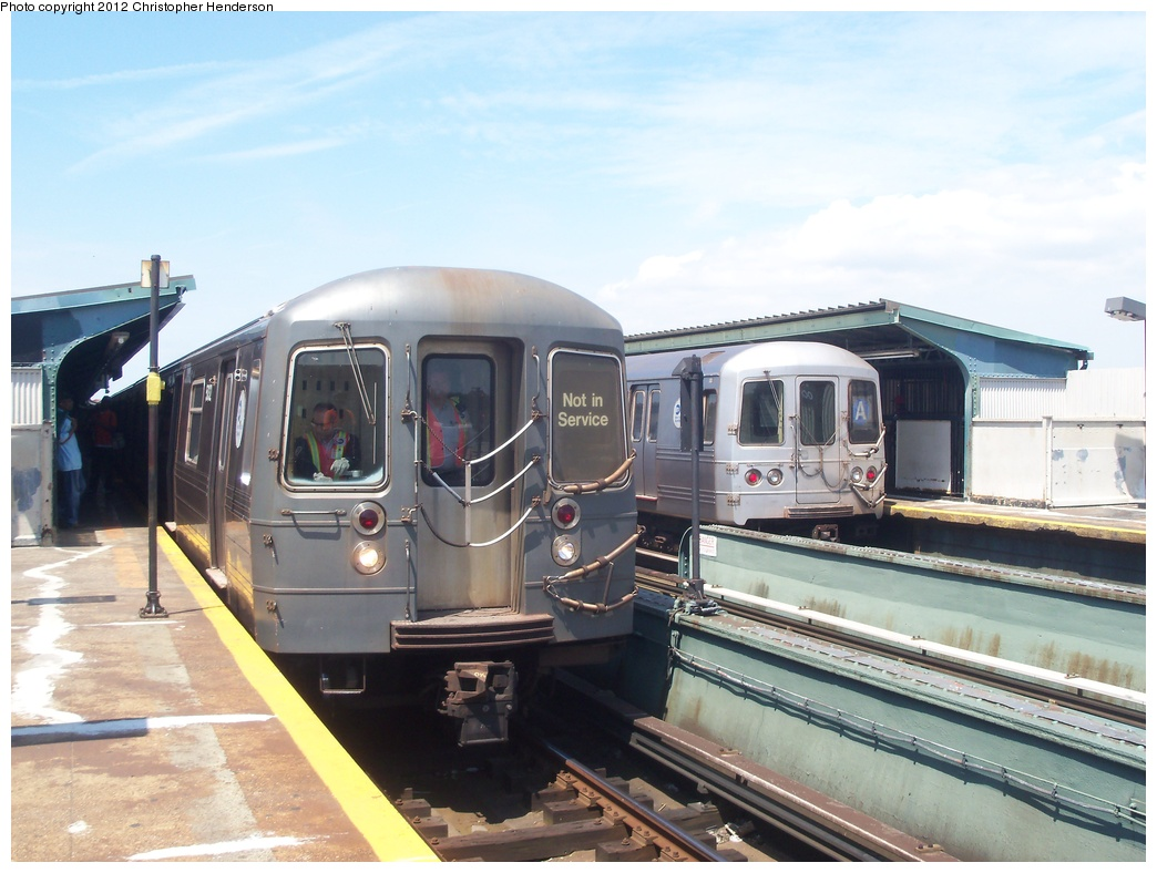 (310k, 1044x788)<br><b>Country:</b> United States<br><b>City:</b> New York<br><b>System:</b> New York City Transit<br><b>Line:</b> IND Fulton Street Line<br><b>Location:</b> Rockaway Boulevard <br><b>Route:</b> School car<br><b>Car:</b> R-68A (Kawasaki, 1988-1989)  5032 <br><b>Photo by:</b> Christopher Henderson<br><b>Date:</b> 6/1/2012<br><b>Notes:</b> School car<br><b>Viewed (this week/total):</b> 0 / 1025