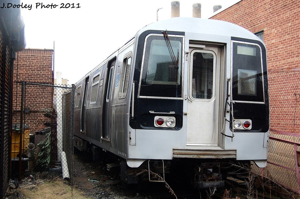 (380k, 1024x680)<br><b>Country:</b> United States<br><b>City:</b> New York<br><b>System:</b> New York City Transit<br><b>Location:</b> 207th Street Yard<br><b>Car:</b> R-110B (Bombardier, 1992) 3009 <br><b>Photo by:</b> John Dooley<br><b>Date:</b> 11/29/2011<br><b>Viewed (this week/total):</b> 1 / 739