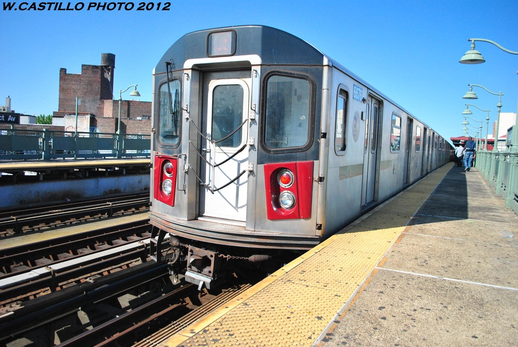 (349k, 1024x687)<br><b>Country:</b> United States<br><b>City:</b> New York<br><b>System:</b> New York City Transit<br><b>Line:</b> IRT White Plains Road Line<br><b>Location:</b> Prospect Avenue <br><b>Route:</b> 2<br><b>Car:</b> R-142 (Primary Order, Bombardier, 1999-2002)  6676 <br><b>Photo by:</b> Wilfredo Castillo<br><b>Date:</b> 5/19/2012<br><b>Viewed (this week/total):</b> 5 / 626