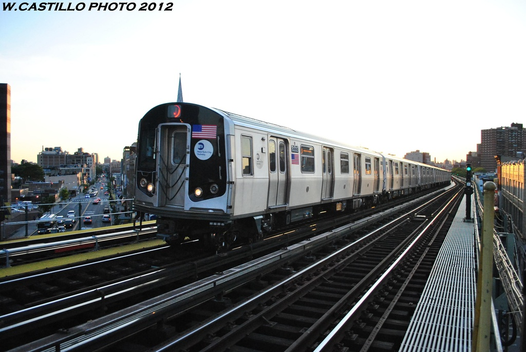 (261k, 1024x687)<br><b>Country:</b> United States<br><b>City:</b> New York<br><b>System:</b> New York City Transit<br><b>Line:</b> BMT Nassau Street/Jamaica Line<br><b>Location:</b> Flushing Avenue <br><b>Route:</b> J<br><b>Car:</b> R-160A-1 (Alstom, 2005-2008, 4 car sets)  8333 <br><b>Photo by:</b> Wilfredo Castillo<br><b>Date:</b> 5/18/2012<br><b>Viewed (this week/total):</b> 5 / 316