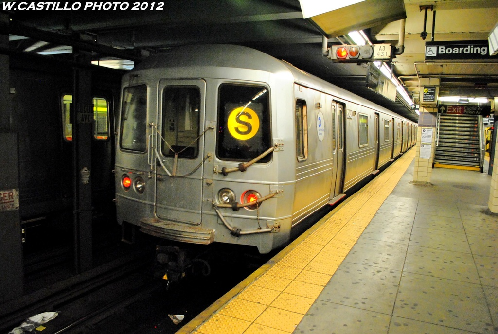 (274k, 1024x687)<br><b>Country:</b> United States<br><b>City:</b> New York<br><b>System:</b> New York City Transit<br><b>Line:</b> IND Fulton Street Line<br><b>Location:</b> Euclid Avenue <br><b>Route:</b> S<br><b>Car:</b> R-46 (Pullman-Standard, 1974-75) 6248 <br><b>Photo by:</b> Wilfredo Castillo<br><b>Date:</b> 5/25/2012<br><b>Viewed (this week/total):</b> 4 / 1101