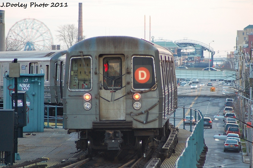 (348k, 1024x680)<br><b>Country:</b> United States<br><b>City:</b> New York<br><b>System:</b> New York City Transit<br><b>Line:</b> BMT West End Line<br><b>Location:</b> Bay 50th Street <br><b>Route:</b> D<br><b>Car:</b> R-68 (Westinghouse-Amrail, 1986-1988)  2526 <br><b>Photo by:</b> John Dooley<br><b>Date:</b> 12/31/2011<br><b>Viewed (this week/total):</b> 0 / 572