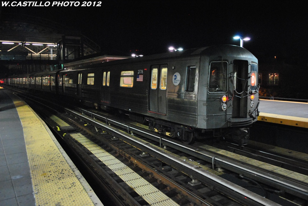 (286k, 1024x687)<br><b>Country:</b> United States<br><b>City:</b> New York<br><b>System:</b> New York City Transit<br><b>Location:</b> Coney Island/Stillwell Avenue<br><b>Route:</b> D<br><b>Car:</b> R-68 (Westinghouse-Amrail, 1986-1988)  2778 <br><b>Photo by:</b> Wilfredo Castillo<br><b>Date:</b> 5/20/2012<br><b>Viewed (this week/total):</b> 1 / 449
