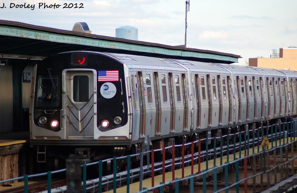 (307k, 1024x668)<br><b>Country:</b> United States<br><b>City:</b> New York<br><b>System:</b> New York City Transit<br><b>Line:</b> BMT Nassau Street/Jamaica Line<br><b>Location:</b> 102nd-104th Streets <br><b>Route:</b> J<br><b>Car:</b> R-160A-1 (Alstom, 2005-2008, 4 car sets)  8316 <br><b>Photo by:</b> John Dooley<br><b>Date:</b> 1/2/2012<br><b>Viewed (this week/total):</b> 0 / 304
