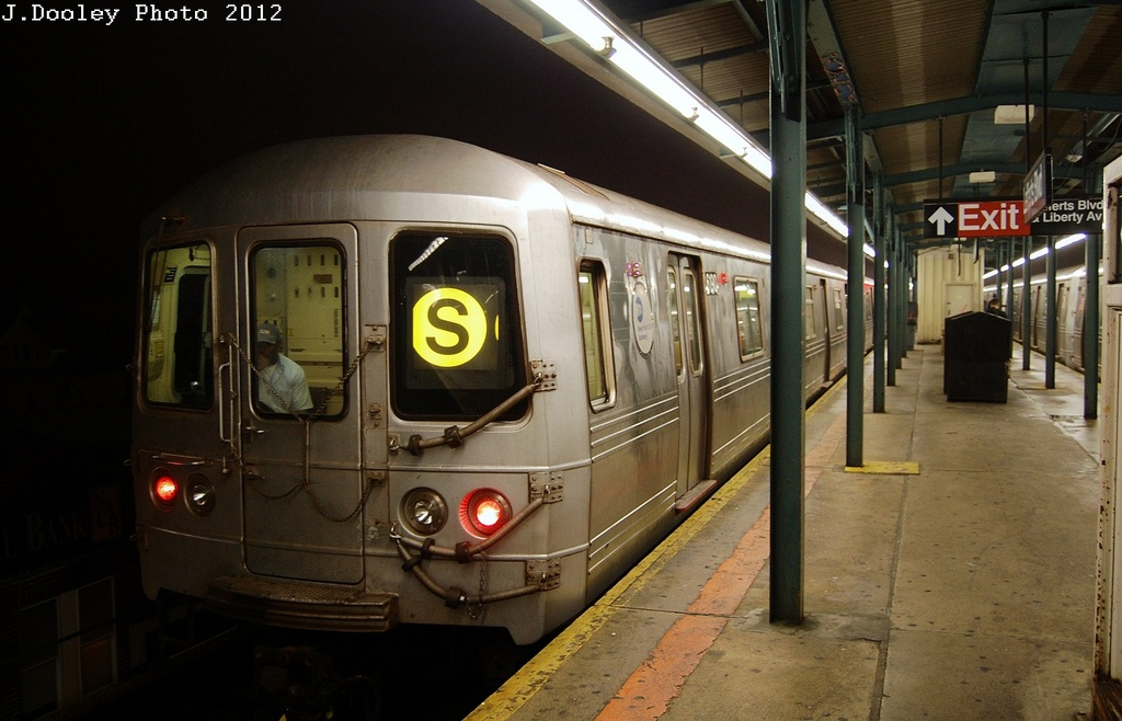 (285k, 1024x658)<br><b>Country:</b> United States<br><b>City:</b> New York<br><b>System:</b> New York City Transit<br><b>Line:</b> IND Fulton Street Line<br><b>Location:</b> Lefferts Boulevard <br><b>Route:</b> S<br><b>Car:</b> R-46 (Pullman-Standard, 1974-75) 6190 <br><b>Photo by:</b> John Dooley<br><b>Date:</b> 5/25/2012<br><b>Viewed (this week/total):</b> 0 / 493