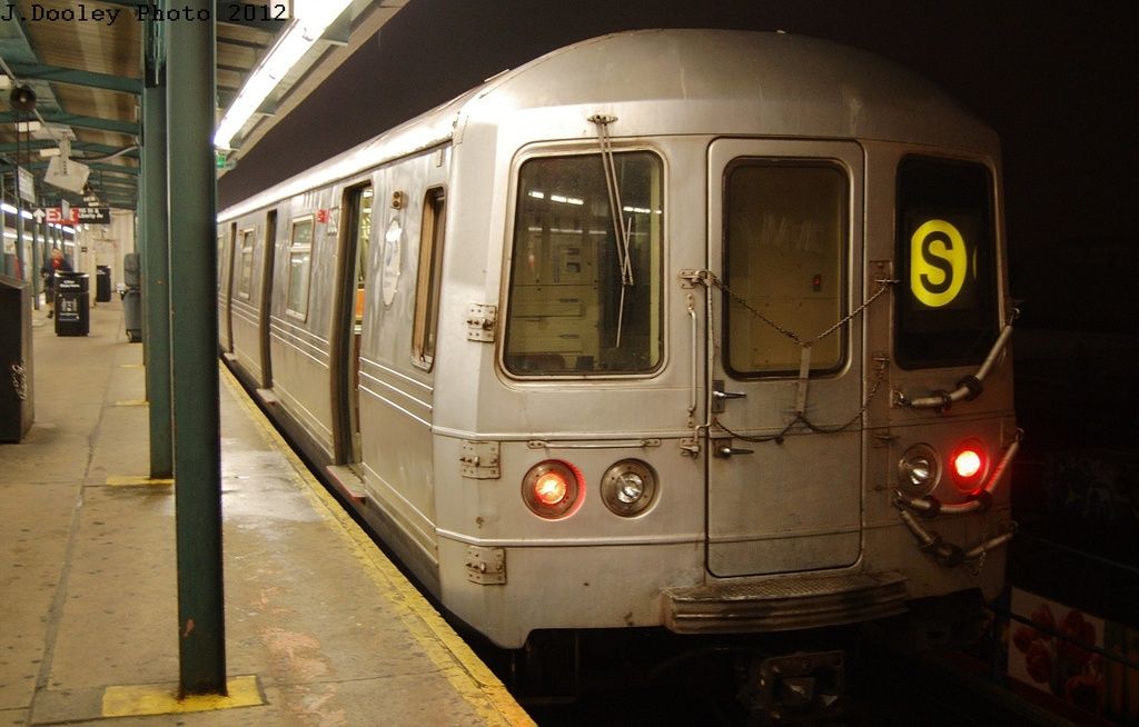 (268k, 1024x654)<br><b>Country:</b> United States<br><b>City:</b> New York<br><b>System:</b> New York City Transit<br><b>Line:</b> IND Fulton Street Line<br><b>Location:</b> Lefferts Boulevard <br><b>Route:</b> S<br><b>Car:</b> R-46 (Pullman-Standard, 1974-75) 6192 <br><b>Photo by:</b> John Dooley<br><b>Date:</b> 5/25/2012<br><b>Viewed (this week/total):</b> 0 / 164