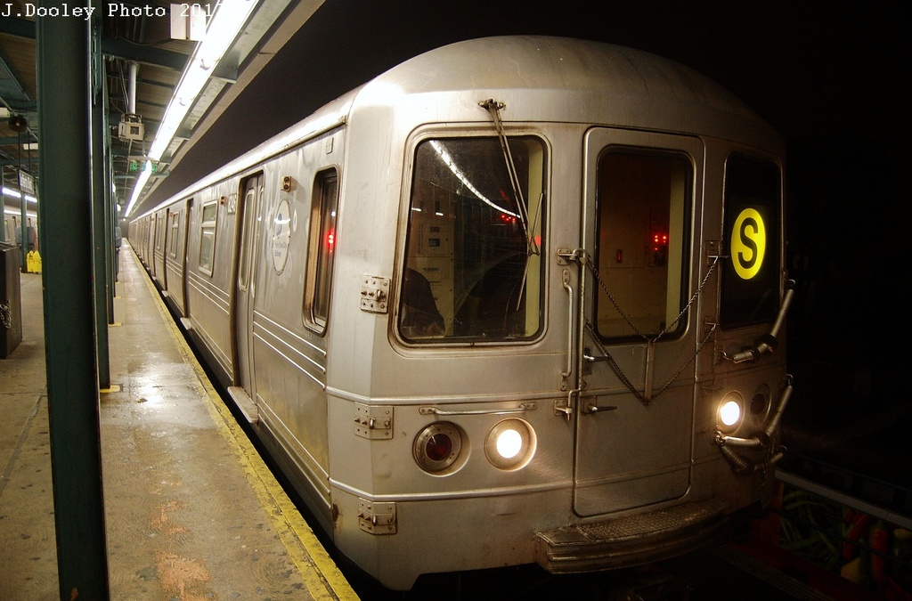 (289k, 1024x675)<br><b>Country:</b> United States<br><b>City:</b> New York<br><b>System:</b> New York City Transit<br><b>Line:</b> IND Fulton Street Line<br><b>Location:</b> Lefferts Boulevard <br><b>Route:</b> S<br><b>Car:</b> R-46 (Pullman-Standard, 1974-75) 6254 <br><b>Photo by:</b> John Dooley<br><b>Date:</b> 5/25/2012<br><b>Viewed (this week/total):</b> 1 / 177