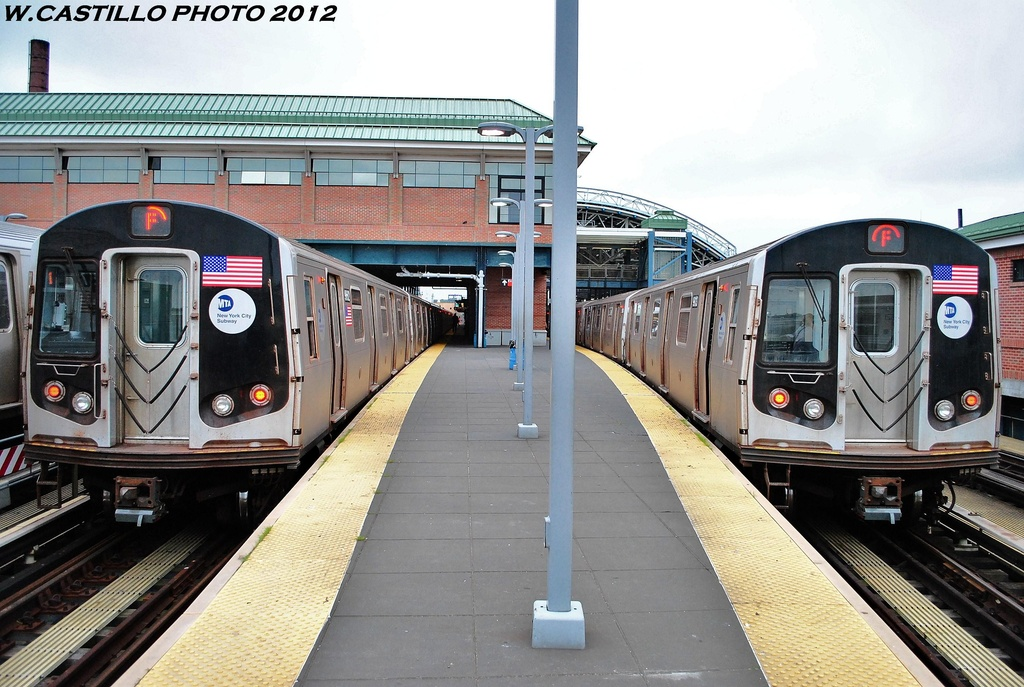 (335k, 1024x687)<br><b>Country:</b> United States<br><b>City:</b> New York<br><b>System:</b> New York City Transit<br><b>Location:</b> Coney Island/Stillwell Avenue<br><b>Route:</b> F<br><b>Car:</b> R-160A-1 (Alstom, 2005-2008, 4 car sets)  9662 <br><b>Photo by:</b> Wilfredo Castillo<br><b>Date:</b> 6/1/2012<br><b>Viewed (this week/total):</b> 1 / 454