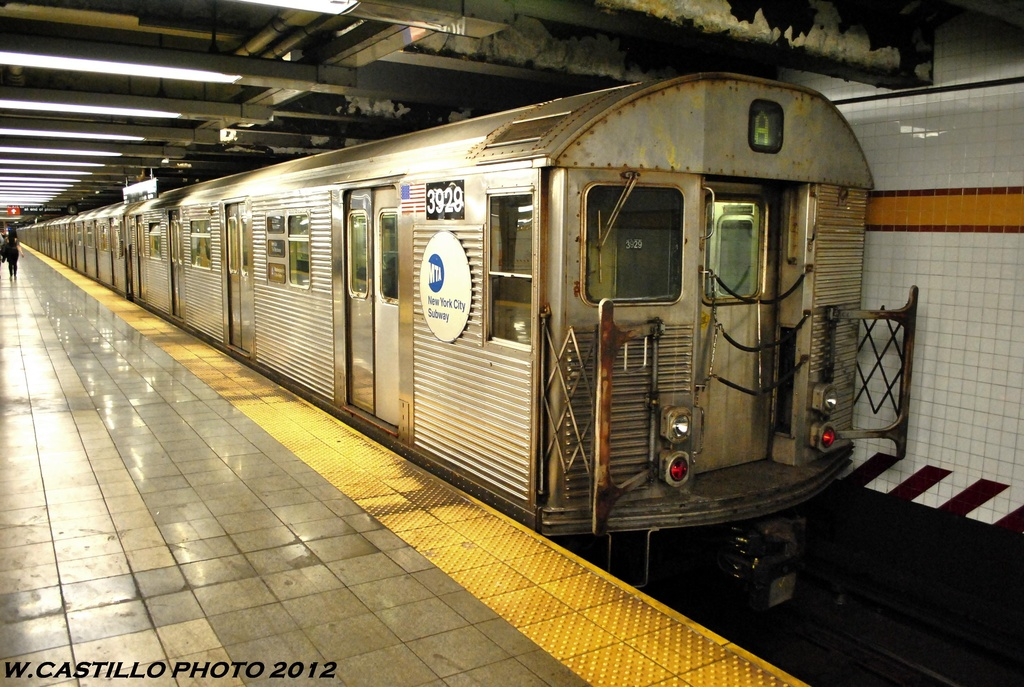 (307k, 1024x687)<br><b>Country:</b> United States<br><b>City:</b> New York<br><b>System:</b> New York City Transit<br><b>Line:</b> IND 8th Avenue Line<br><b>Location:</b> 14th Street <br><b>Route:</b> A<br><b>Car:</b> R-32 (Budd, 1964)  3929 <br><b>Photo by:</b> Wilfredo Castillo<br><b>Date:</b> 6/2012<br><b>Viewed (this week/total):</b> 1 / 197