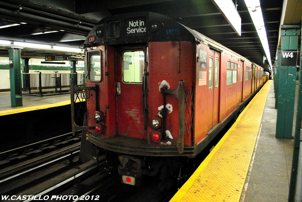 (283k, 1024x687)<br><b>Country:</b> United States<br><b>City:</b> New York<br><b>System:</b> New York City Transit<br><b>Line:</b> IND 8th Avenue Line<br><b>Location:</b> West 4th Street/Washington Square <br><b>Route:</b> Work Service<br><b>Car:</b> R-33 World's Fair (St. Louis, 1963-64) 9342 <br><b>Photo by:</b> Wilfredo Castillo<br><b>Date:</b> 6/6/2012<br><b>Viewed (this week/total):</b> 1 / 911
