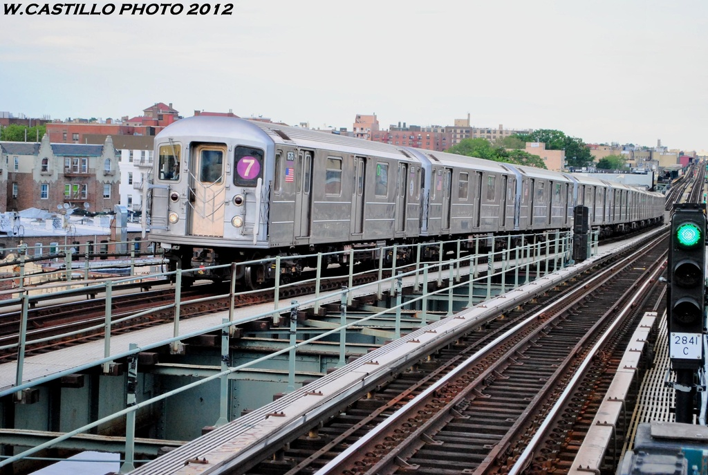 (293k, 1024x687)<br><b>Country:</b> United States<br><b>City:</b> New York<br><b>System:</b> New York City Transit<br><b>Line:</b> IRT Flushing Line<br><b>Location:</b> 61st Street/Woodside <br><b>Route:</b> 7<br><b>Car:</b> R-62A (Bombardier, 1984-1987)  1676 <br><b>Photo by:</b> Wilfredo Castillo<br><b>Date:</b> 6/2012<br><b>Viewed (this week/total):</b> 2 / 214
