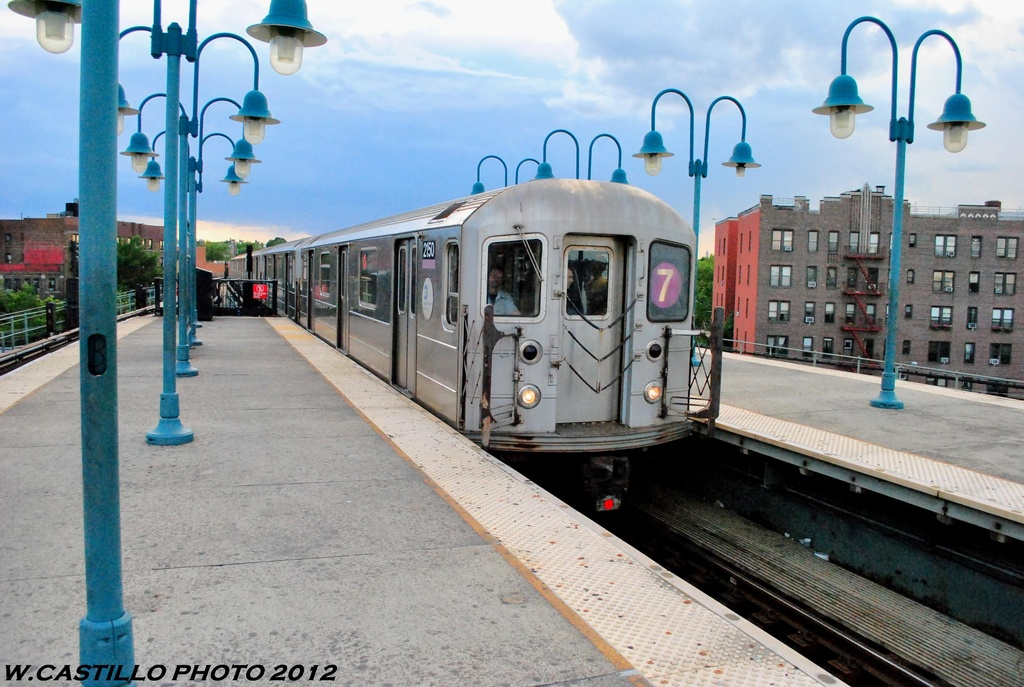 (281k, 1024x687)<br><b>Country:</b> United States<br><b>City:</b> New York<br><b>System:</b> New York City Transit<br><b>Line:</b> IRT Flushing Line<br><b>Location:</b> 61st Street/Woodside <br><b>Route:</b> 7<br><b>Car:</b> R-62A (Bombardier, 1984-1987)  2150 <br><b>Photo by:</b> Wilfredo Castillo<br><b>Date:</b> 6/2012<br><b>Viewed (this week/total):</b> 2 / 561