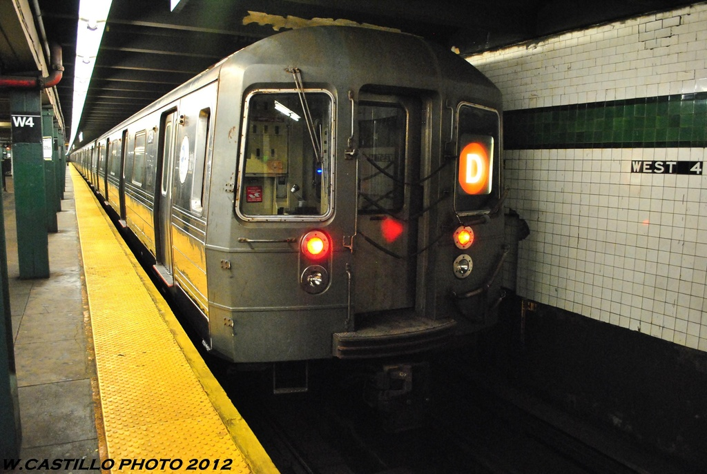 (263k, 1024x687)<br><b>Country:</b> United States<br><b>City:</b> New York<br><b>System:</b> New York City Transit<br><b>Line:</b> IND 8th Avenue Line<br><b>Location:</b> West 4th Street/Washington Square <br><b>Route:</b> D<br><b>Car:</b> R-68 (Westinghouse-Amrail, 1986-1988)  2864 <br><b>Photo by:</b> Wilfredo Castillo<br><b>Date:</b> 6/2012<br><b>Viewed (this week/total):</b> 0 / 165