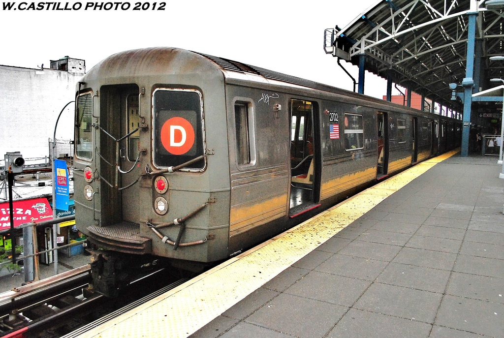 (374k, 1024x687)<br><b>Country:</b> United States<br><b>City:</b> New York<br><b>System:</b> New York City Transit<br><b>Location:</b> Coney Island/Stillwell Avenue<br><b>Route:</b> D<br><b>Car:</b> R-68 (Westinghouse-Amrail, 1986-1988)  2702 <br><b>Photo by:</b> Wilfredo Castillo<br><b>Date:</b> 6/1/2012<br><b>Viewed (this week/total):</b> 4 / 291