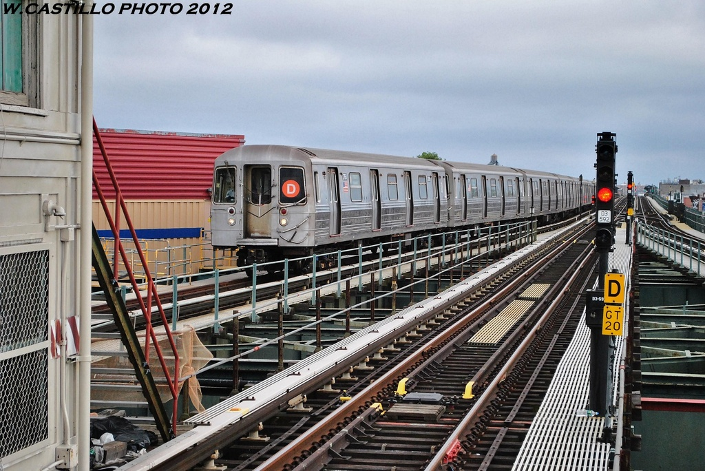 (374k, 1024x684)<br><b>Country:</b> United States<br><b>City:</b> New York<br><b>System:</b> New York City Transit<br><b>Line:</b> BMT West End Line<br><b>Location:</b> 62nd Street <br><b>Route:</b> D<br><b>Car:</b> R-68 (Westinghouse-Amrail, 1986-1988)  2768 <br><b>Photo by:</b> Wilfredo Castillo<br><b>Date:</b> 6/1/2012<br><b>Viewed (this week/total):</b> 3 / 679