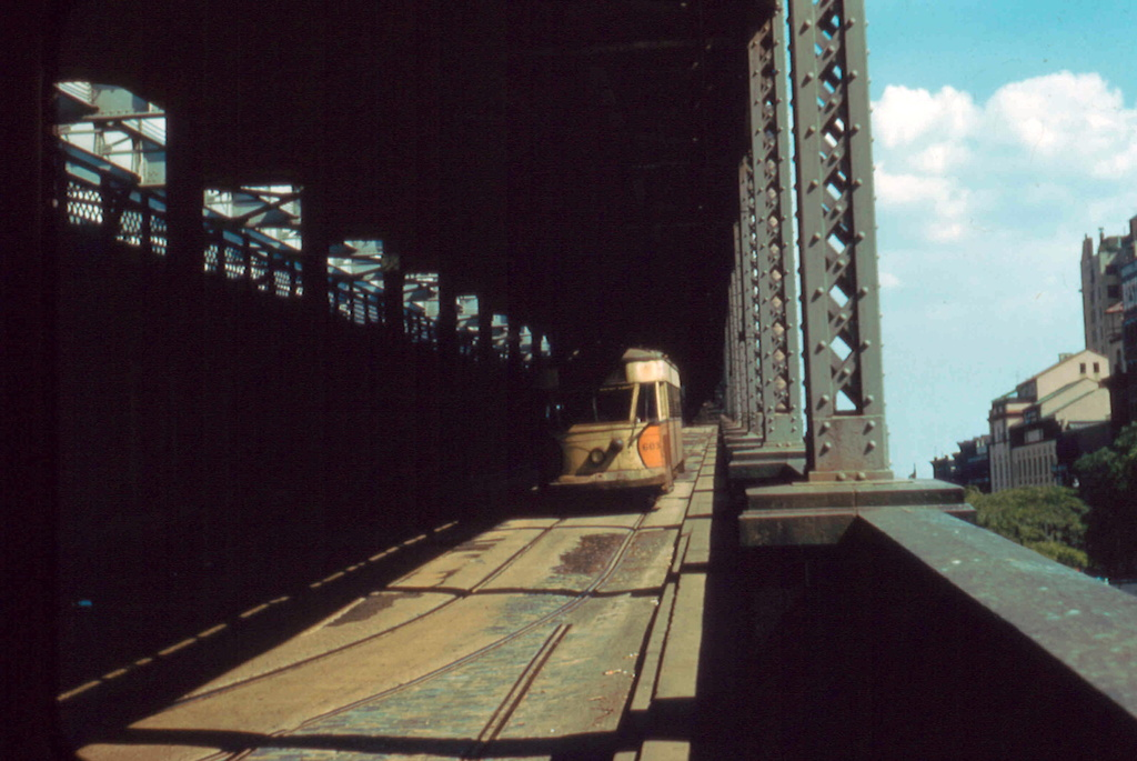 (234k, 1024x685)<br><b>Country:</b> United States<br><b>City:</b> New York<br><b>System:</b> Queensborough Bridge Railway<br><b>Location:</b> Queensborough Bridge <br><b>Car:</b>  603 <br><b>Collection of:</b> Frank Pfuhler<br><b>Date:</b> 8/25/1956<br><b>Notes:</b> Queens bound<br><b>Viewed (this week/total):</b> 0 / 168