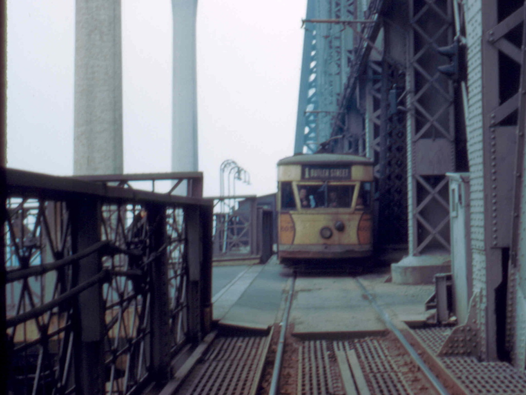 (211k, 1024x770)<br><b>Country:</b> United States<br><b>City:</b> New York<br><b>System:</b> Queensborough Bridge Railway<br><b>Location:</b> Queensborough Bridge <br><b>Car:</b>  605 <br><b>Collection of:</b> Frank Pfuhler<br><b>Date:</b> 2/23/1957<br><b>Notes:</b> Welfare Island Station<br><b>Viewed (this week/total):</b> 3 / 285