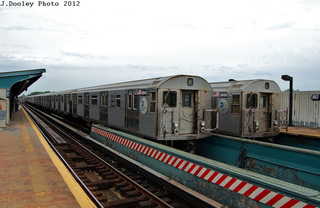 (318k, 1024x665)<br><b>Country:</b> United States<br><b>City:</b> New York<br><b>System:</b> New York City Transit<br><b>Line:</b> IND Fulton Street Line<br><b>Location:</b> 80th Street/Hudson Street <br><b>Route:</b> A<br><b>Car:</b> R-32 (Budd, 1964)  3644/3888 <br><b>Photo by:</b> John Dooley<br><b>Date:</b> 5/30/2012<br><b>Viewed (this week/total):</b> 3 / 1194