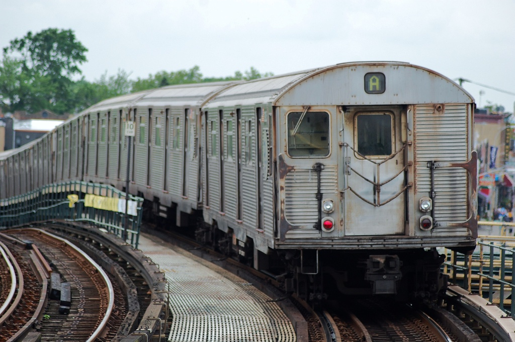 (297k, 1024x681)<br><b>Country:</b> United States<br><b>City:</b> New York<br><b>System:</b> New York City Transit<br><b>Line:</b> IND Fulton Street Line<br><b>Location:</b> 80th Street/Hudson Street <br><b>Route:</b> A<br><b>Car:</b> R-32 (Budd, 1964)  3924 <br><b>Photo by:</b> John Dooley<br><b>Date:</b> 5/30/2012<br><b>Viewed (this week/total):</b> 0 / 154