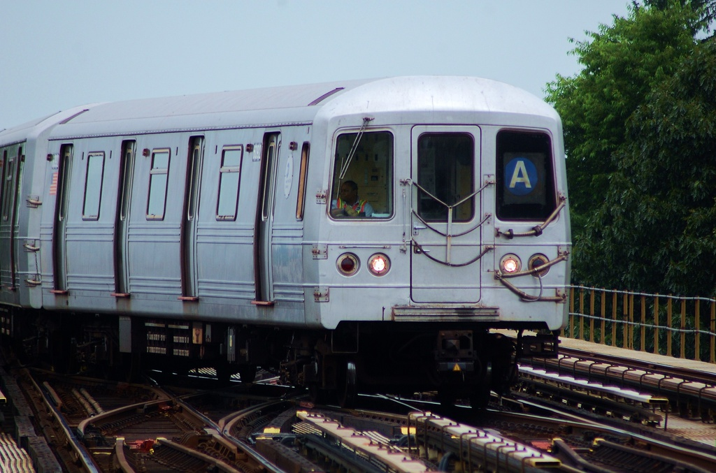 (290k, 1024x677)<br><b>Country:</b> United States<br><b>City:</b> New York<br><b>System:</b> New York City Transit<br><b>Line:</b> IND Fulton Street Line<br><b>Location:</b> 80th Street/Hudson Street <br><b>Route:</b> A<br><b>Car:</b> R-46 (Pullman-Standard, 1974-75) 6092 <br><b>Photo by:</b> John Dooley<br><b>Date:</b> 5/30/2012<br><b>Viewed (this week/total):</b> 3 / 220