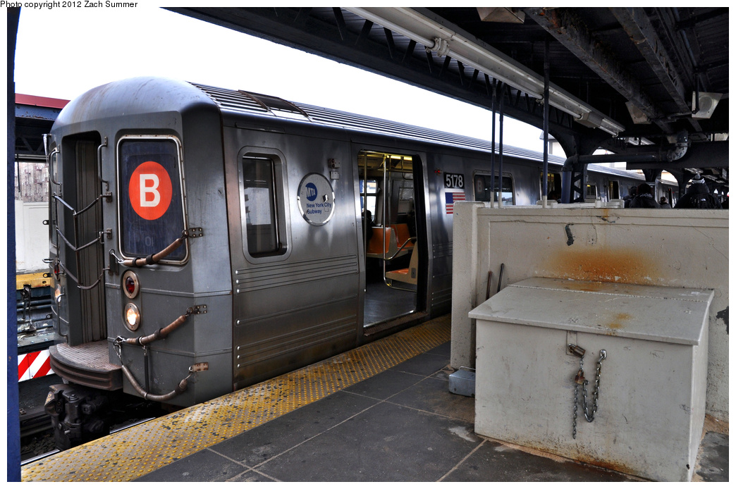 (353k, 1044x694)<br><b>Country:</b> United States<br><b>City:</b> New York<br><b>System:</b> New York City Transit<br><b>Line:</b> BMT Brighton Line<br><b>Location:</b> Brighton Beach <br><b>Route:</b> B<br><b>Car:</b> R-68A (Kawasaki, 1988-1989)  5178 <br><b>Photo by:</b> Zach Summer<br><b>Date:</b> 2/15/2012<br><b>Viewed (this week/total):</b> 4 / 543