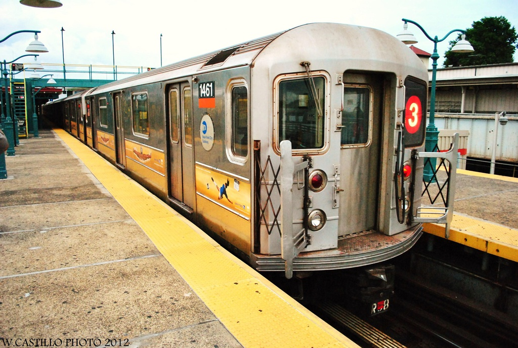 (347k, 1024x687)<br><b>Country:</b> United States<br><b>City:</b> New York<br><b>System:</b> New York City Transit<br><b>Line:</b> IRT White Plains Road Line<br><b>Location:</b> East 180th Street <br><b>Route:</b> Not in service<br><b>Car:</b> R-62 (Kawasaki, 1983-1985)  1461 <br><b>Photo by:</b> Wilfredo Castillo<br><b>Date:</b> 8/14/2012<br><b>Viewed (this week/total):</b> 0 / 928