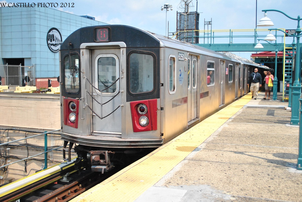 (341k, 1024x687)<br><b>Country:</b> United States<br><b>City:</b> New York<br><b>System:</b> New York City Transit<br><b>Line:</b> IRT White Plains Road Line<br><b>Location:</b> East 180th Street <br><b>Route:</b> 5<br><b>Car:</b> R-142 (Primary Order, Bombardier, 1999-2002)  6350 <br><b>Photo by:</b> Wilfredo Castillo<br><b>Date:</b> 8/9/2012<br><b>Viewed (this week/total):</b> 1 / 338