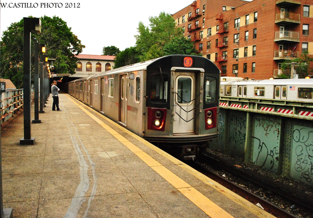 (397k, 1024x715)<br><b>Country:</b> United States<br><b>City:</b> New York<br><b>System:</b> New York City Transit<br><b>Line:</b> IRT Dyre Ave. Line<br><b>Location:</b> Morris Park <br><b>Route:</b> 5<br><b>Car:</b> R-142 (Primary Order, Bombardier, 1999-2002)  6955 <br><b>Photo by:</b> Wilfredo Castillo<br><b>Date:</b> 8/14/2012<br><b>Viewed (this week/total):</b> 1 / 504