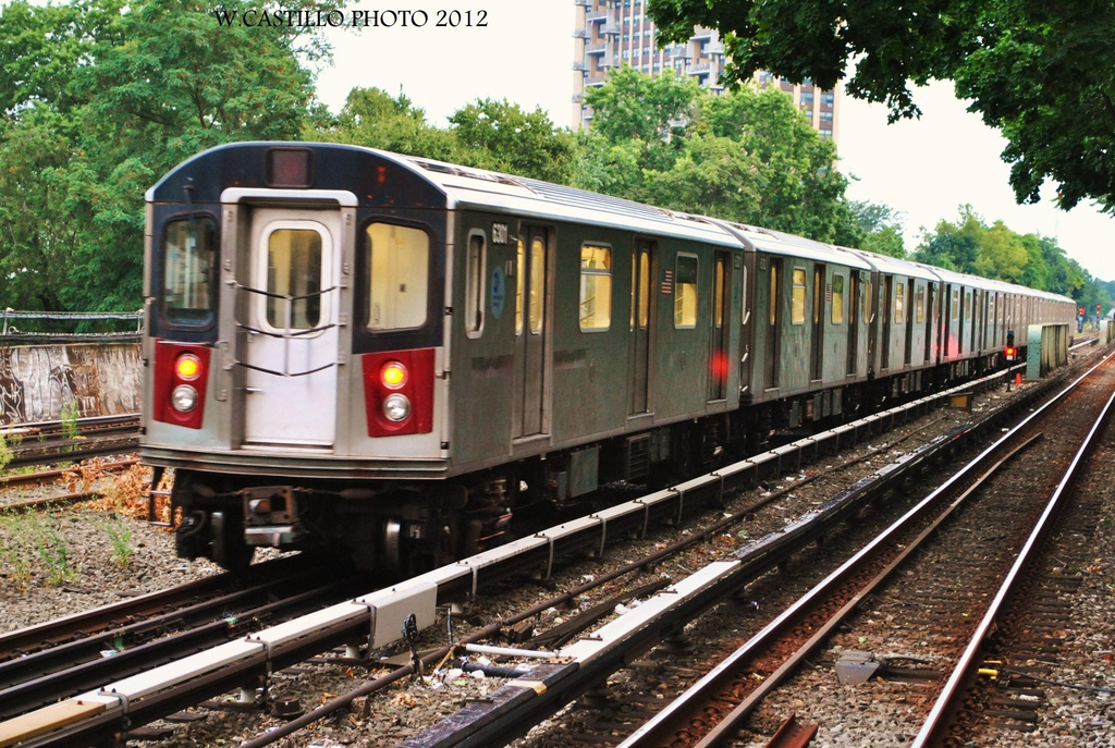 (408k, 1024x687)<br><b>Country:</b> United States<br><b>City:</b> New York<br><b>System:</b> New York City Transit<br><b>Line:</b> IRT Dyre Ave. Line<br><b>Location:</b> Morris Park <br><b>Route:</b> Not in service<br><b>Car:</b> R-142 (Primary Order, Bombardier, 1999-2002)  6301 <br><b>Photo by:</b> Wilfredo Castillo<br><b>Date:</b> 8/14/2012<br><b>Viewed (this week/total):</b> 6 / 1062