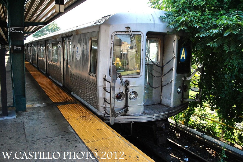 (394k, 1024x682)<br><b>Country:</b> United States<br><b>City:</b> New York<br><b>System:</b> New York City Transit<br><b>Line:</b> IND Rockaway<br><b>Location:</b> Mott Avenue/Far Rockaway <br><b>Route:</b> A<br><b>Car:</b> R-42 (St. Louis, 1969-1970)  4828 <br><b>Photo by:</b> Wilfredo Castillo<br><b>Date:</b> 7/26/2012<br><b>Viewed (this week/total):</b> 9 / 317