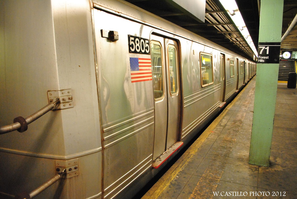 (289k, 1024x687)<br><b>Country:</b> United States<br><b>City:</b> New York<br><b>System:</b> New York City Transit<br><b>Line:</b> IND Queens Boulevard Line<br><b>Location:</b> 71st/Continental Aves./Forest Hills <br><b>Car:</b> R-46 (Pullman-Standard, 1974-75) 5805 <br><b>Photo by:</b> Wilfredo Castillo<br><b>Date:</b> 7/28/2012<br><b>Viewed (this week/total):</b> 0 / 174
