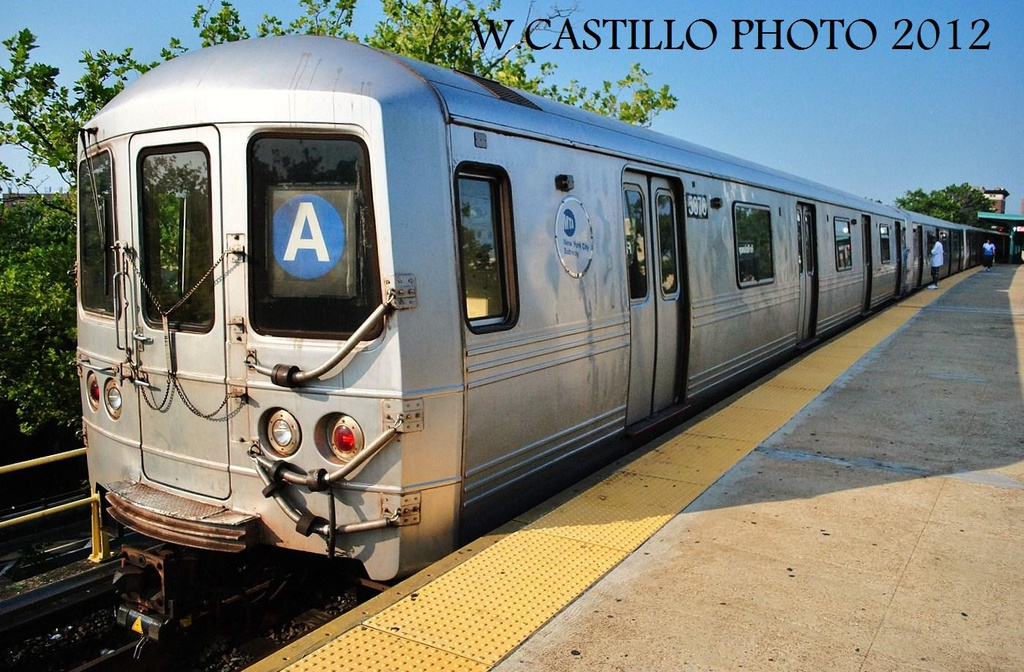 (348k, 1024x672)<br><b>Country:</b> United States<br><b>City:</b> New York<br><b>System:</b> New York City Transit<br><b>Line:</b> IND Rockaway<br><b>Location:</b> Mott Avenue/Far Rockaway <br><b>Route:</b> A<br><b>Car:</b> R-46 (Pullman-Standard, 1974-75) 5876 <br><b>Photo by:</b> Wilfredo Castillo<br><b>Date:</b> 7/26/2012<br><b>Viewed (this week/total):</b> 1 / 692