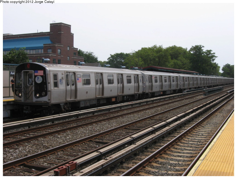 (204k, 820x620)<br><b>Country:</b> United States<br><b>City:</b> New York<br><b>System:</b> New York City Transit<br><b>Line:</b> BMT Brighton Line<br><b>Location:</b> Avenue J <br><b>Route:</b> Q<br><b>Car:</b> R-160B (Kawasaki, 2005-2008)  8963 <br><b>Photo by:</b> Jorge Catayi<br><b>Date:</b> 8/8/2012<br><b>Viewed (this week/total):</b> 0 / 159