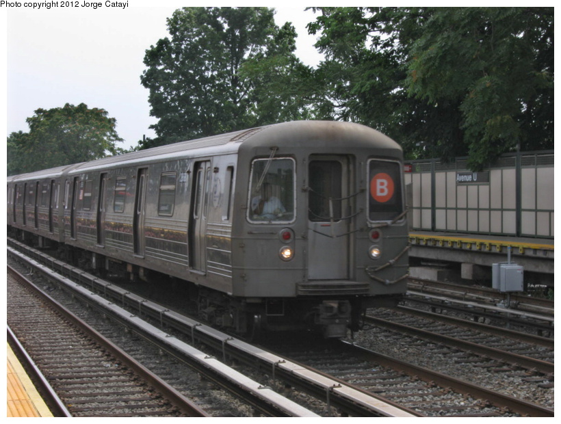 (203k, 820x620)<br><b>Country:</b> United States<br><b>City:</b> New York<br><b>System:</b> New York City Transit<br><b>Line:</b> BMT Brighton Line<br><b>Location:</b> Avenue U <br><b>Route:</b> B<br><b>Car:</b> R-68 (Westinghouse-Amrail, 1986-1988)  2858 <br><b>Photo by:</b> Jorge Catayi<br><b>Date:</b> 8/8/2012<br><b>Viewed (this week/total):</b> 0 / 184