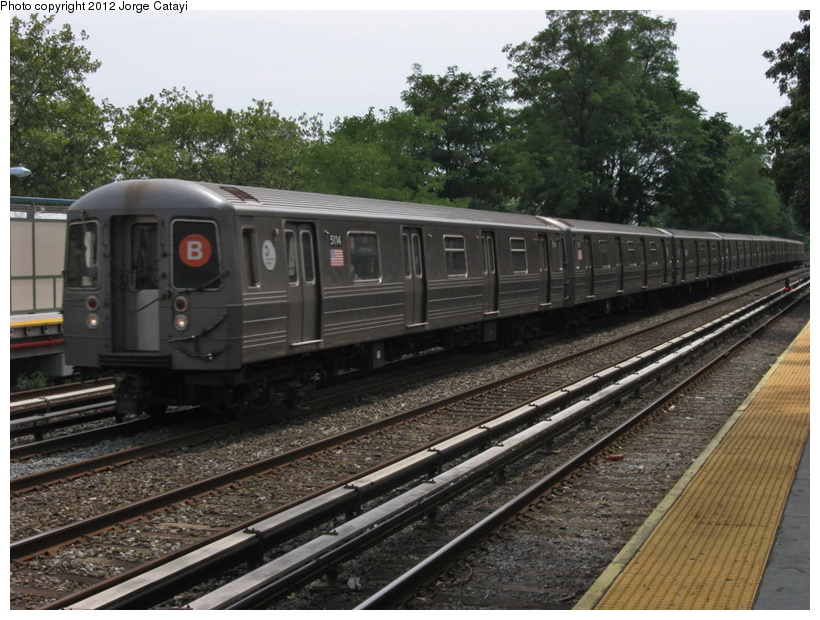 (227k, 820x620)<br><b>Country:</b> United States<br><b>City:</b> New York<br><b>System:</b> New York City Transit<br><b>Line:</b> BMT Brighton Line<br><b>Location:</b> Avenue M <br><b>Route:</b> B<br><b>Car:</b> R-68A (Kawasaki, 1988-1989)  5114 <br><b>Photo by:</b> Jorge Catayi<br><b>Date:</b> 8/8/2012<br><b>Viewed (this week/total):</b> 0 / 423