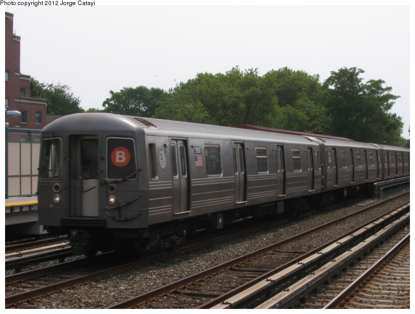 (161k, 820x620)<br><b>Country:</b> United States<br><b>City:</b> New York<br><b>System:</b> New York City Transit<br><b>Line:</b> BMT Brighton Line<br><b>Location:</b> Avenue J <br><b>Route:</b> B<br><b>Car:</b> R-68A (Kawasaki, 1988-1989)  5166 <br><b>Photo by:</b> Jorge Catayi<br><b>Date:</b> 8/8/2012<br><b>Viewed (this week/total):</b> 2 / 176