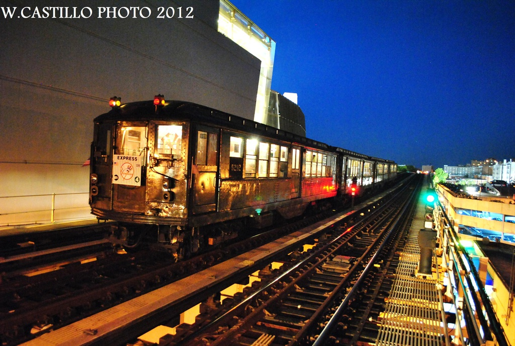 (353k, 1024x687)<br><b>Country:</b> United States<br><b>City:</b> New York<br><b>System:</b> New York City Transit<br><b>Line:</b> IRT Woodlawn Line<br><b>Location:</b> 161st Street/River Avenue (Yankee Stadium) <br><b>Route:</b> Fan Trip<br><b>Car:</b> Low-V (Museum Train) 5292 <br><b>Photo by:</b> Wilfredo Castillo<br><b>Date:</b> 10/11/2012<br><b>Viewed (this week/total):</b> 6 / 634