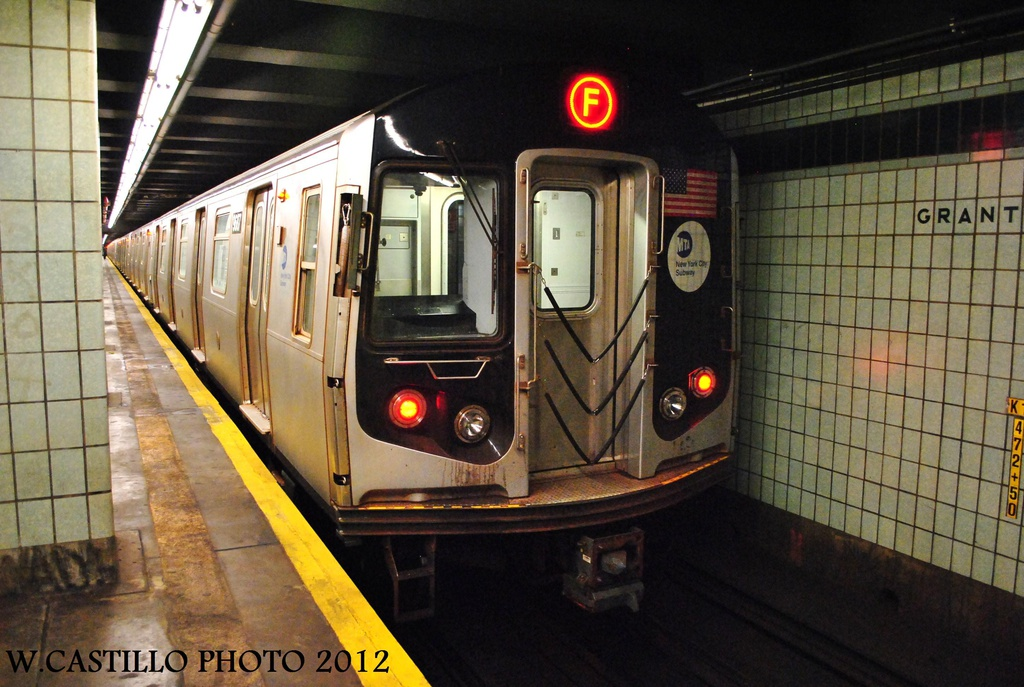 (319k, 1024x687)<br><b>Country:</b> United States<br><b>City:</b> New York<br><b>System:</b> New York City Transit<br><b>Line:</b> IND Fulton Street Line<br><b>Location:</b> Grant Avenue <br><b>Route:</b> F<br><b>Car:</b> R-160A (Option 2) (Alstom, 2009, 5-car sets)  9687 <br><b>Photo by:</b> Wilfredo Castillo<br><b>Date:</b> 9/23/2012<br><b>Viewed (this week/total):</b> 3 / 439