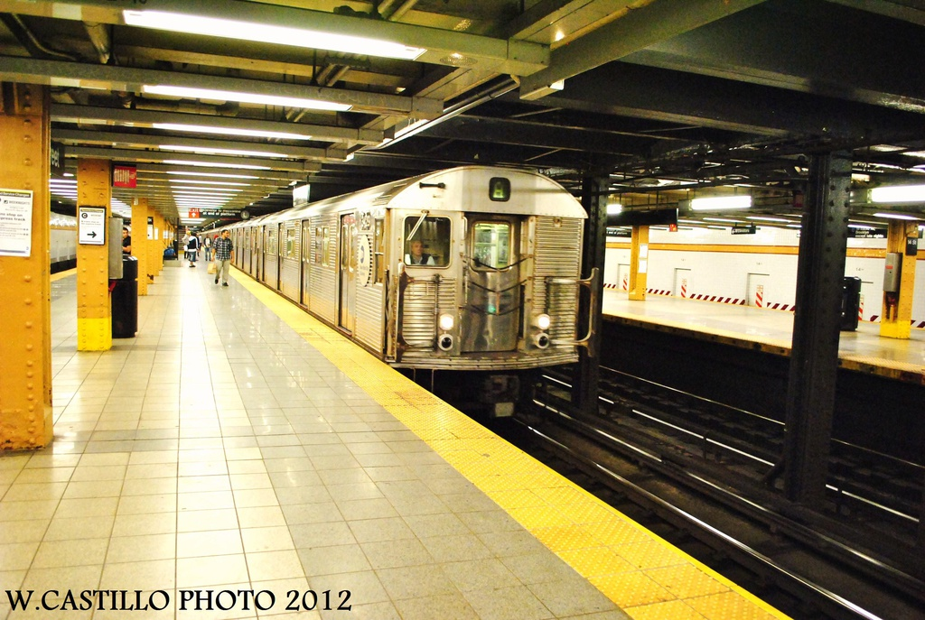 (341k, 1024x687)<br><b>Country:</b> United States<br><b>City:</b> New York<br><b>System:</b> New York City Transit<br><b>Line:</b> IND 8th Avenue Line<br><b>Location:</b> 14th Street <br><b>Route:</b> A<br><b>Car:</b> R-32 (Budd, 1964)  3429 <br><b>Photo by:</b> Wilfredo Castillo<br><b>Date:</b> 9/28/2012<br><b>Viewed (this week/total):</b> 0 / 308