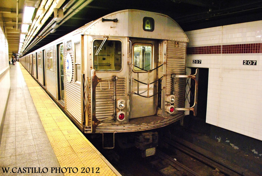 (354k, 1024x687)<br><b>Country:</b> United States<br><b>City:</b> New York<br><b>System:</b> New York City Transit<br><b>Line:</b> IND 8th Avenue Line<br><b>Location:</b> 207th Street <br><b>Route:</b> A<br><b>Car:</b> R-32 (Budd, 1964)  3429 <br><b>Photo by:</b> Wilfredo Castillo<br><b>Date:</b> 9/28/2012<br><b>Viewed (this week/total):</b> 0 / 281