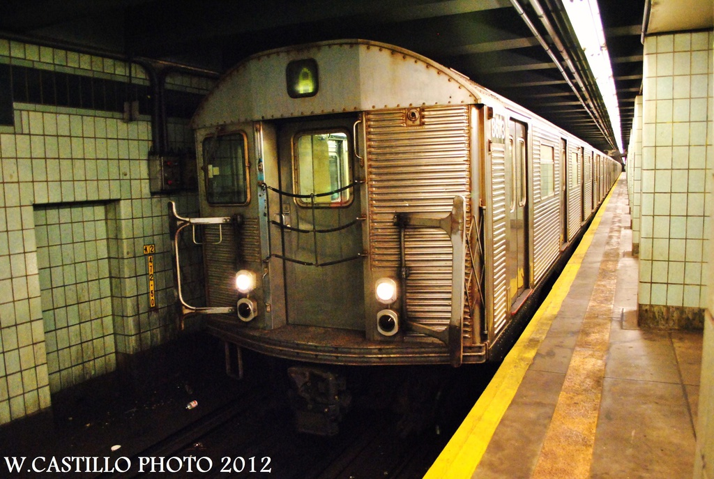(331k, 1024x687)<br><b>Country:</b> United States<br><b>City:</b> New York<br><b>System:</b> New York City Transit<br><b>Line:</b> IND Fulton Street Line<br><b>Location:</b> Grant Avenue <br><b>Route:</b> A<br><b>Car:</b> R-32 (Budd, 1964)  3673 <br><b>Photo by:</b> Wilfredo Castillo<br><b>Date:</b> 9/23/2012<br><b>Viewed (this week/total):</b> 7 / 769