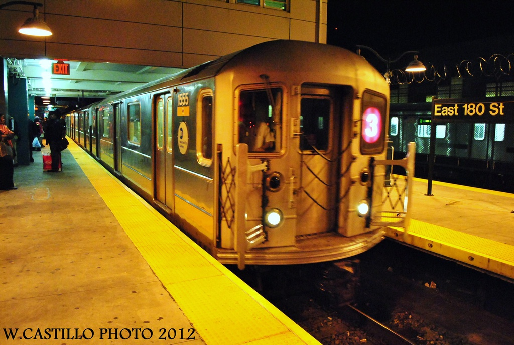 (312k, 1024x687)<br><b>Country:</b> United States<br><b>City:</b> New York<br><b>System:</b> New York City Transit<br><b>Line:</b> IRT White Plains Road Line<br><b>Location:</b> East 180th Street <br><b>Route:</b> 3<br><b>Car:</b> R-62 (Kawasaki, 1983-1985)  1555 <br><b>Photo by:</b> Wilfredo Castillo<br><b>Date:</b> 10/11/2012<br><b>Viewed (this week/total):</b> 0 / 536