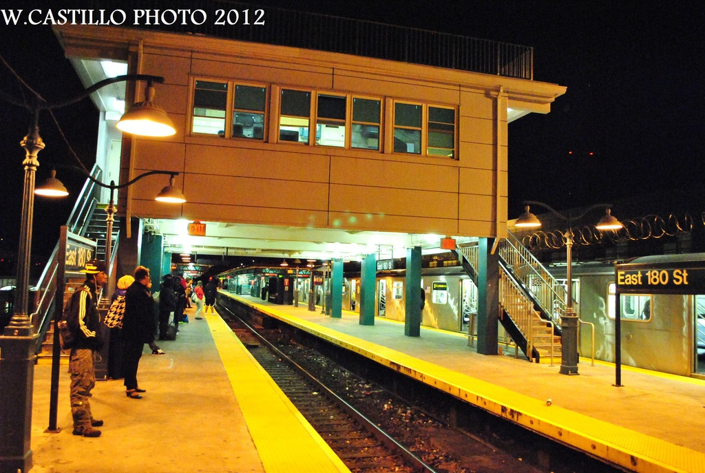 (347k, 1024x687)<br><b>Country:</b> United States<br><b>City:</b> New York<br><b>System:</b> New York City Transit<br><b>Line:</b> IRT White Plains Road Line<br><b>Location:</b> East 180th Street <br><b>Photo by:</b> Wilfredo Castillo<br><b>Date:</b> 10/11/2012<br><b>Viewed (this week/total):</b> 0 / 507