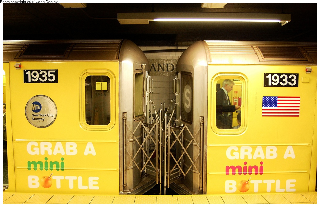 (306k, 1044x677)<br><b>Country:</b> United States<br><b>City:</b> New York<br><b>System:</b> New York City Transit<br><b>Line:</b> IRT Times Square-Grand Central Shuttle<br><b>Location:</b> Grand Central <br><b>Route:</b> S<br><b>Car:</b> R-62A (Bombardier, 1984-1987)  1935/1933 <br><b>Photo by:</b> John Dooley<br><b>Date:</b> 10/11/2012<br><b>Viewed (this week/total):</b> 1 / 568