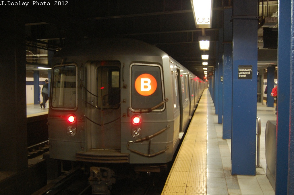 (238k, 1024x680)<br><b>Country:</b> United States<br><b>City:</b> New York<br><b>System:</b> New York City Transit<br><b>Line:</b> IND 6th Avenue Line<br><b>Location:</b> Broadway/Lafayette <br><b>Route:</b> B<br><b>Car:</b> R-68A (Kawasaki, 1988-1989)  5104 <br><b>Photo by:</b> John Dooley<br><b>Date:</b> 10/22/2012<br><b>Viewed (this week/total):</b> 2 / 312